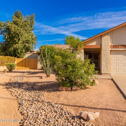 Rent this 3 bed house on West Calle del Norte in Chandler, AZ 85224