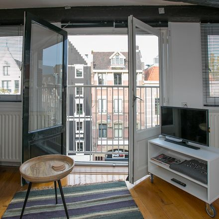 Rent this 1 bed apartment on Spuistraat in 1012 Amsterdam, Países Bajos