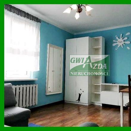 Rent this 2 bed apartment on Pizzeria Fresco in III Powstania Śląskiego 6, 41-300 Dąbrowa Górnicza