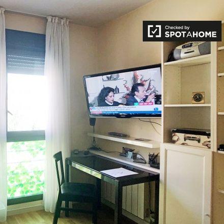 Rent this 3 bed apartment on Colegio Público Garcilaso de la Vega in Calle de Trefacio, 28001 Madrid