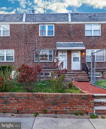 Rent this 3 bed townhouse on 1902 South Newkirk Street in Philadelphia, PA 19145
