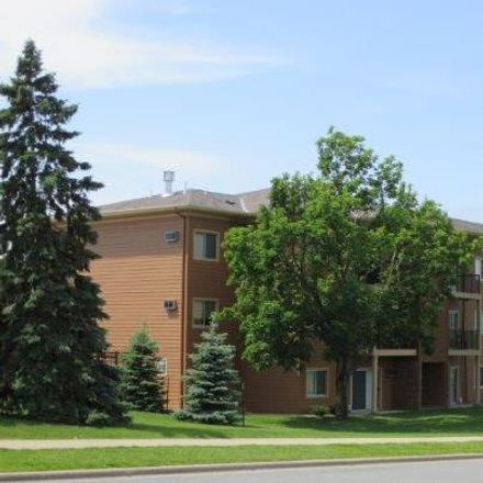 Rent this 1 bed apartment on 1864 Deer Hills Trail in Eagan, MN 55122