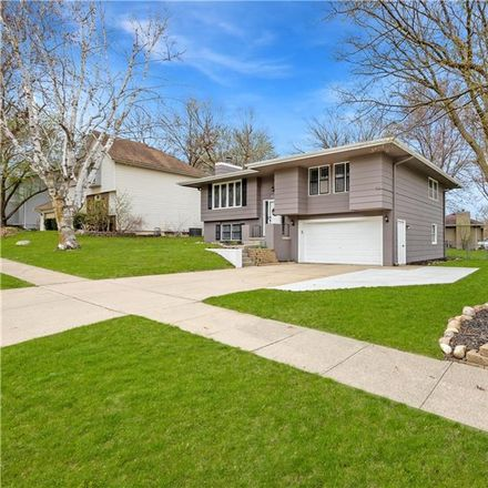 Rent this 3 bed house on 8201 Hammontree Drive in Urbandale, IA 50322