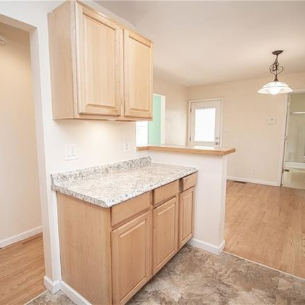 Rent this 3 bed house on Todd Ct in Kennesaw, GA