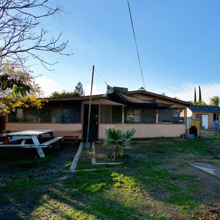 Rent this 3 bed house on 2633 North Blythe Avenue in Fresno, CA 93722