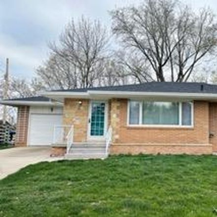 Rent this 3 bed house on North 16th Street in Fort Dodge, IA 50501