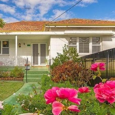 Rent this 3 bed house on 225 Scarborough Beach Road