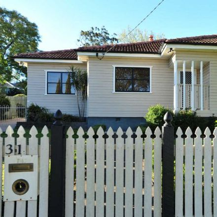 Rent this 3 bed house on 31 Geoffrey Street