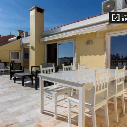 Rent this 2 bed apartment on CSC-00015 in Rua Dom Francisco de Avilez, 2750-285 Cascais e Estoril