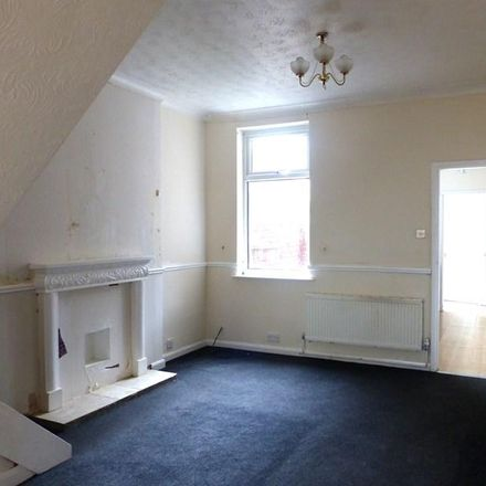 Rent this 3 bed house on Stanley Street in Grimsby DN32 7RG, United Kingdom