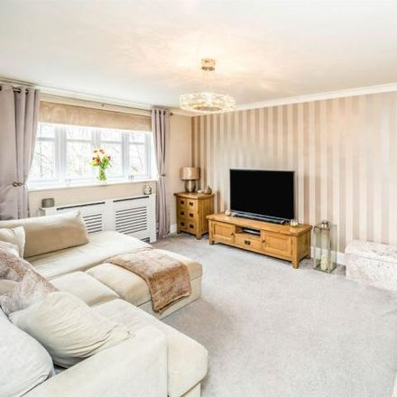 Rent this 4 bed house on Crag View in Bradford BD10 9HB, United Kingdom
