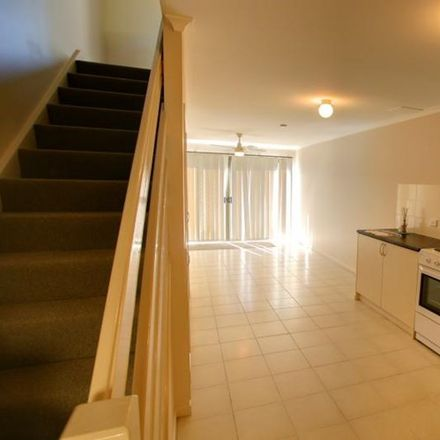 Rent this 2 bed townhouse on 5/60 RAILWAY ST