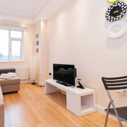 Rent this 2 bed apartment on Coffee House in 258 Pentonville Road, London N1 9JR