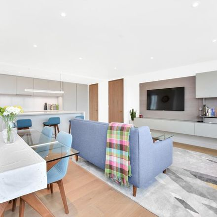 Rent this 2 bed apartment on Blake Tower in 2 Fann Street, London EC2Y 8AF