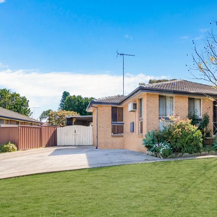 Rent this 3 bed house on 19 Pickett Avenue