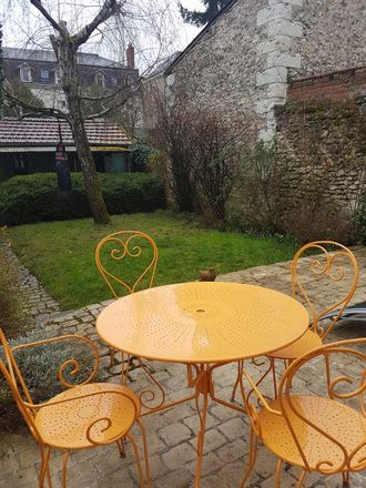 Rent this 1 bed house on 62 Rue d'Entraigues in Tours, France