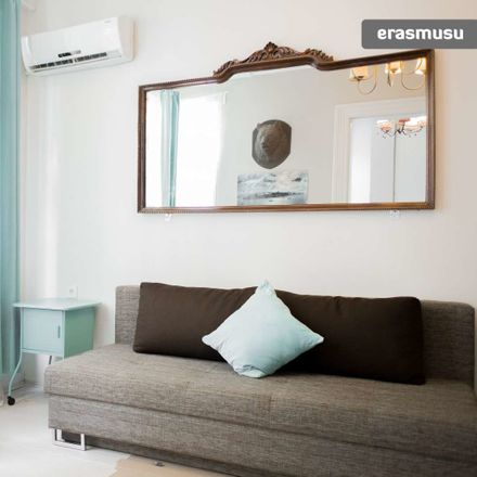 Rent this 1 bed apartment on Elvis Müzik in Independence Avenue, 34430 Beyoğlu