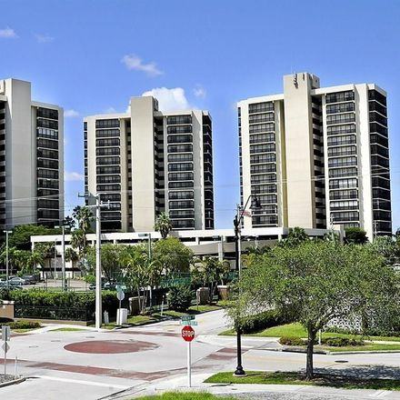 Rent this 2 bed condo on 1900 Virginia Ave in Fort Myers, FL 33901