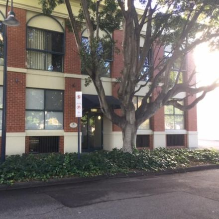 Rent this 2 bed apartment on Saunders Street