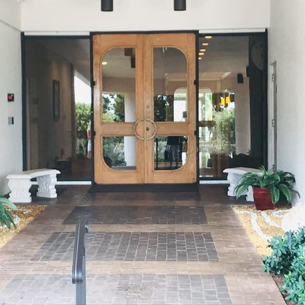 Rent this 3 bed apartment on Island Dr in West Palm Beach, FL