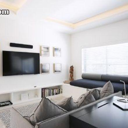 Rent this 0 bed loft on Fletcher Street in Tamarama NSW 2026, Australia