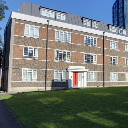 Rent this 2 bed apartment on The Elms in Tavistock Road, London CR0 2EE