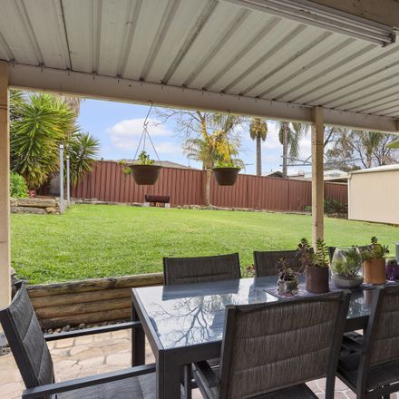 Rent this 4 bed house on 5 Glenlee Court