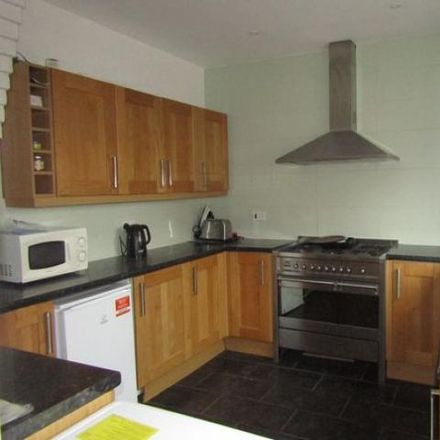 Rent this 5 bed house on 106 Magdalen Road in Exeter EX2 4TX, United Kingdom
