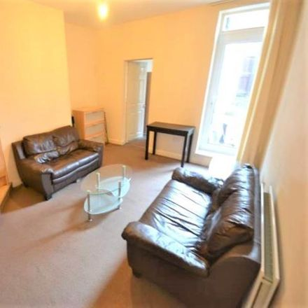 Rent this 3 bed apartment on Helmsley Road in Newcastle upon Tyne NE2 1RE, United Kingdom