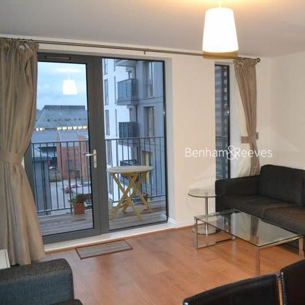 Rent this 2 bed apartment on Charcot Road in London NW9 5YW, United Kingdom