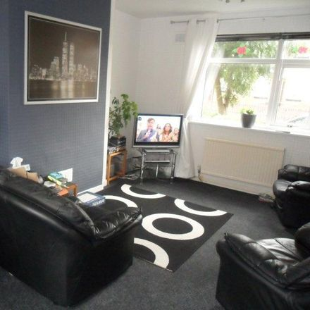 Rent this 3 bed house on Kingsdown Road in Wigan WN2 5RZ, United Kingdom