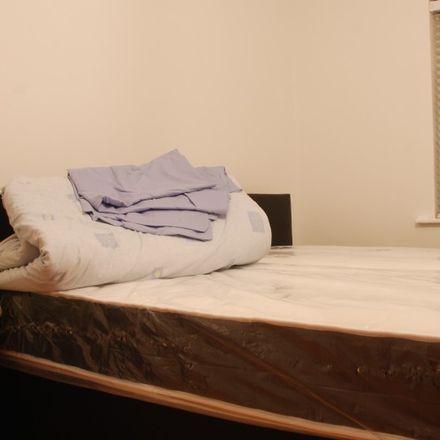 Rent this 3 bed apartment on Rosemount Avenue in Harmonstown B ED, Dublin