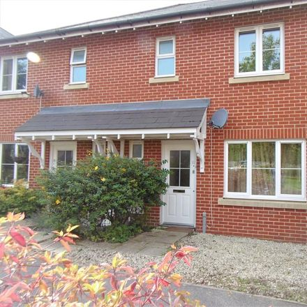 Rent this 3 bed house on Wey Gardens in Haslemere GU27 3SX, United Kingdom