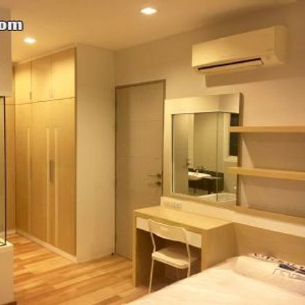 Rent this 2 bed apartment on Max Valu in Nikhom Makkasan Rd, Ratchaprasong