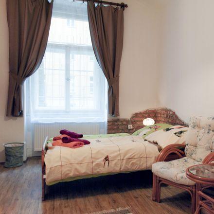 Rent this 2 bed room on Lucemburská 1591/5 in 130 00 Praha 3-Vinohrady, Czechia