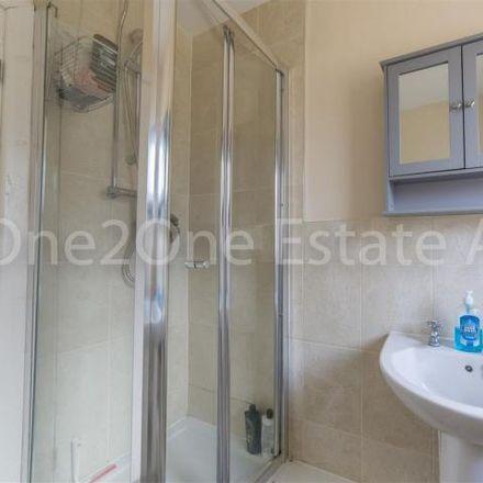 Rent this 3 bed house on Cwmffrwdoer Primary School in Waunddu, Pontypool NP4 6QZ