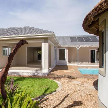 Rent this 5 bed house on McDonald's in Wellington Road, Cape Town Ward 112