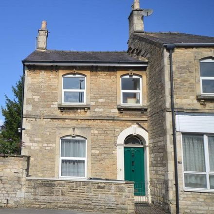 Rent this 5 bed house on Queen Street in Cotswold GL7 1HD, United Kingdom