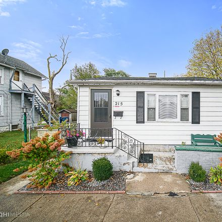 Rent this 4 bed house on 215 North West Avenue in Kankakee, IL 60901