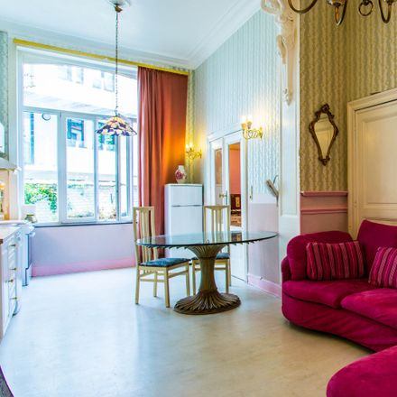 Rent this 1 bed apartment on Rue Boduognat - Boduognatusstraat 12C in 1000 Ville de Bruxelles - Stad Brussel, Belgium