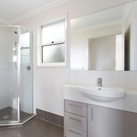 Rent this 3 bed apartment on 1/21 Elliott Street
