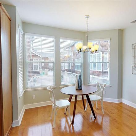 Rent this 1 bed room on 1393 Buchanan Street in San Francisco, CA 94115