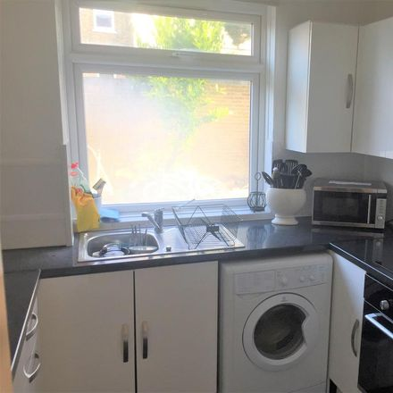 Rent this 2 bed apartment on Park Lodge in Pitshanger Lane, London W5