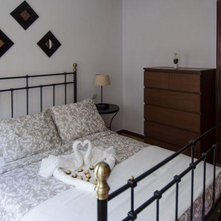 Rent this 3 bed room on La Canela in Calle de las Hileras, 19