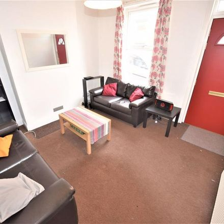 Rent this 1 bed room on Chiswick Terrace in Leeds LS6 1QG, United Kingdom