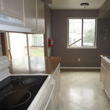 Rent this 3 bed apartment on 2314 Primrose Ct in Mays Landing, NJ