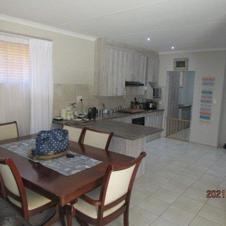 Rent this 3 bed townhouse on 5th Avenue in Airfield, Benoni