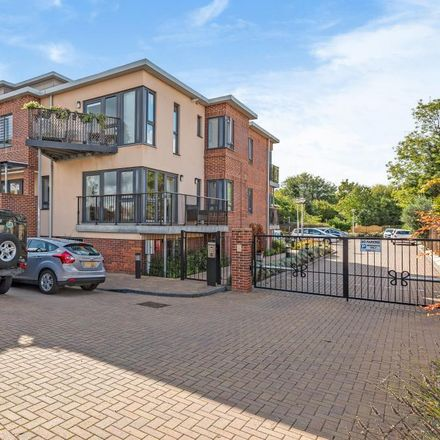 Rent this 2 bed apartment on 101 Holbrook Meadow in Runnymede TW20 8XA, United Kingdom
