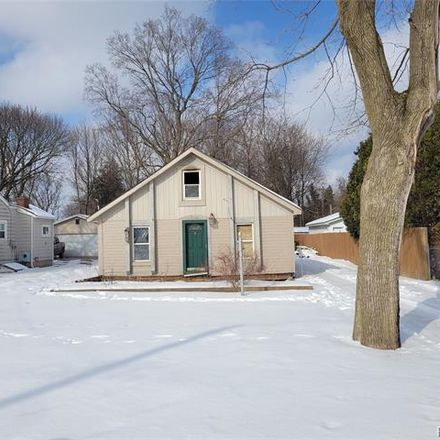 Rent this 3 bed house on 6502 Crest Drive in Waterford Township, MI 48329