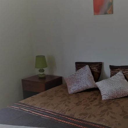 Rent this 3 bed room on R. Q.ta da Bela Vista in 4400 Vila Nova de Gaia, Portugal